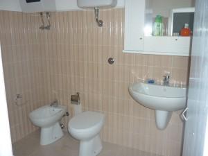 Bagno interno camera 2